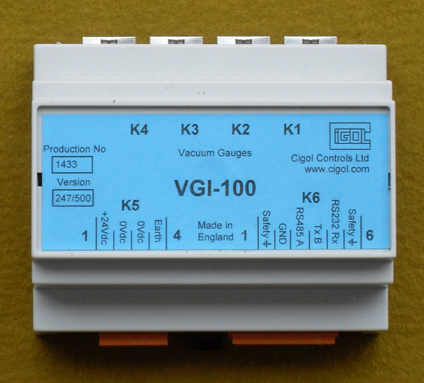 Picture of VGI-100 four chanel temperature controller